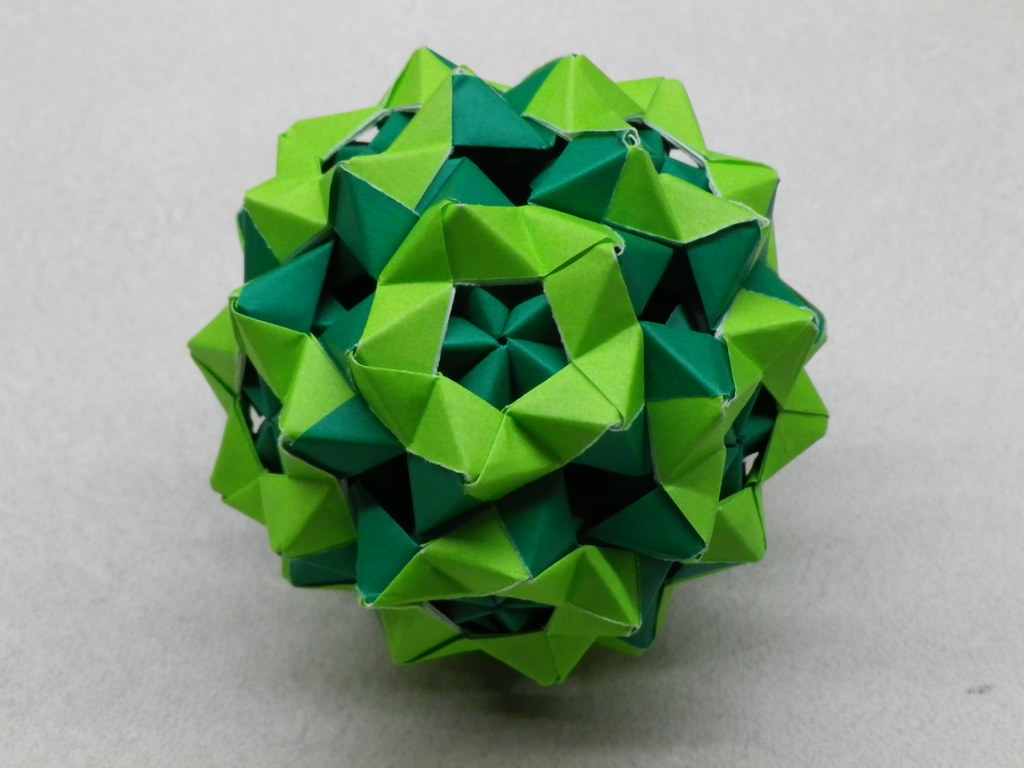 Sonobe-Phizz ball in a Phizz-Sonobe ball | Ball made of 60 ... - photo#32