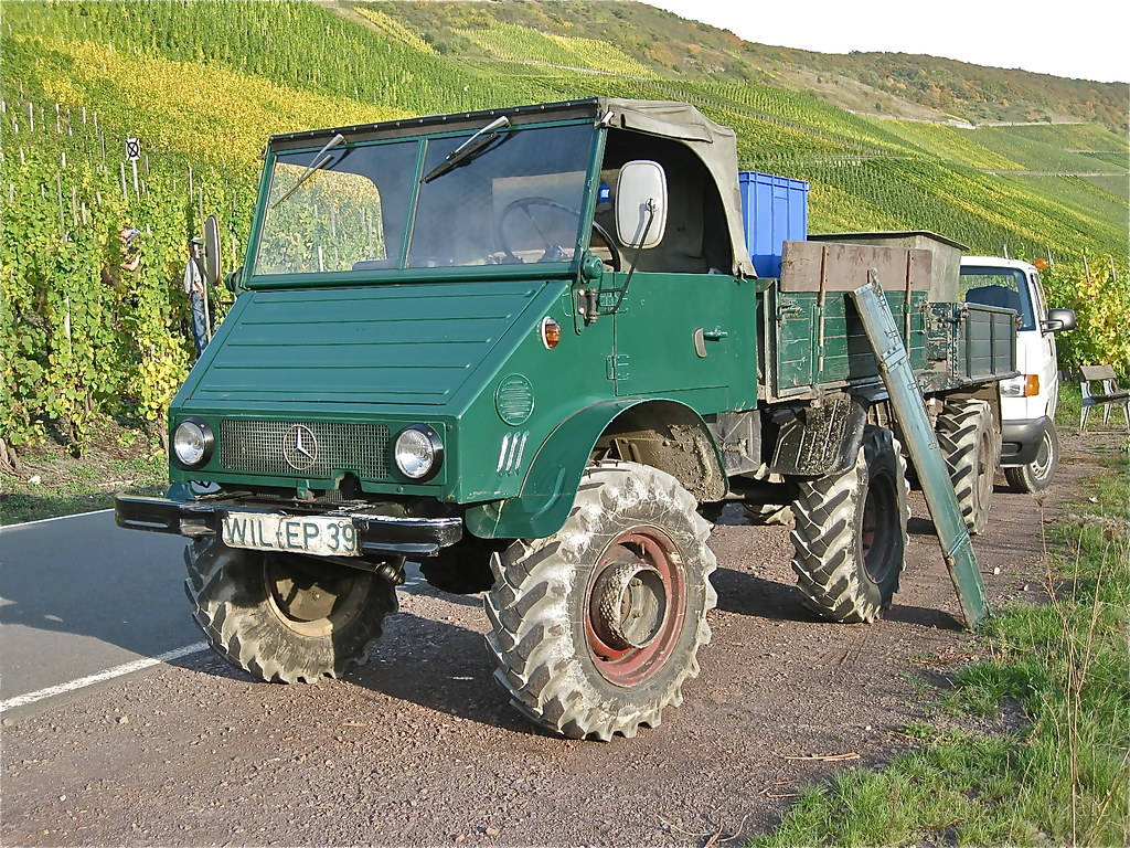 Mercedes benz unimog 4x4 small truck very archaic for Mercedes benz truck 4x4
