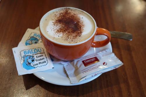 Cappuccino (im Kneipen-Cafe-Restaurant Balou in Osnabrück)