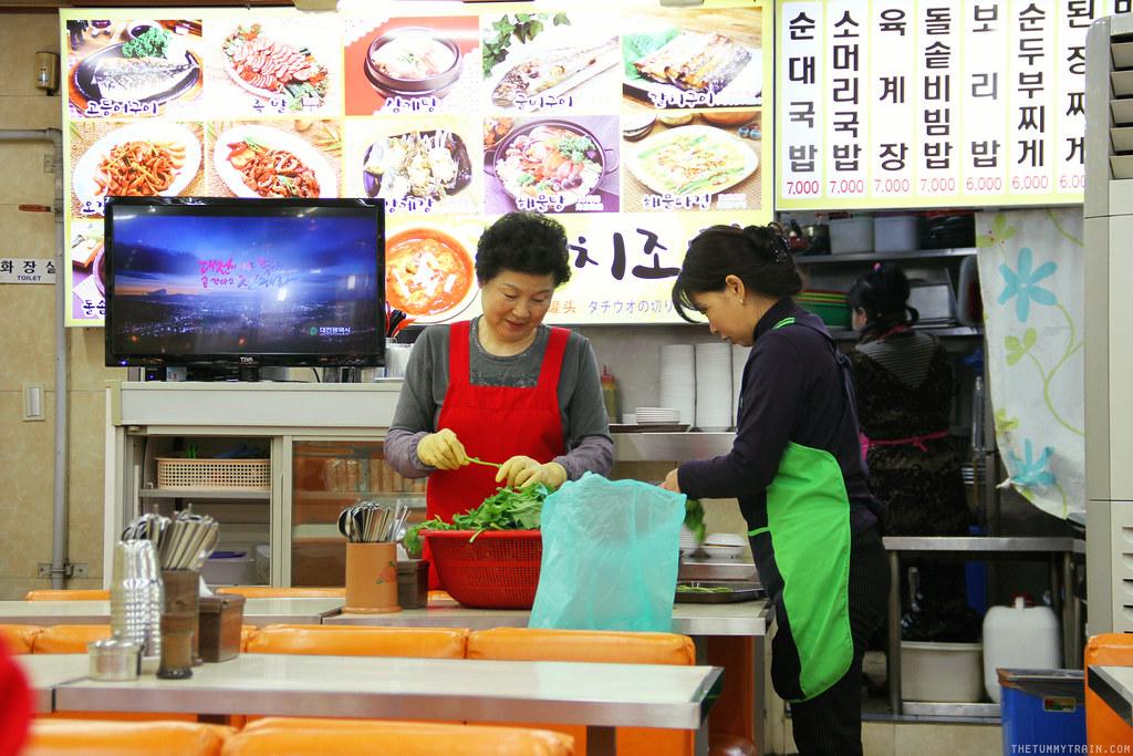 32757217933 a1a6864c83 b - Seoul-ful Spring 2016: A quick morning run to Namdaemun Market