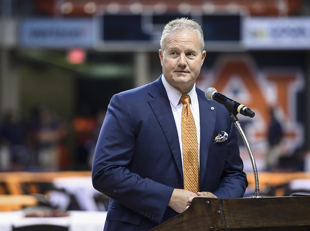 Jay Jacobs talks to the crowd at Auburn Arena.