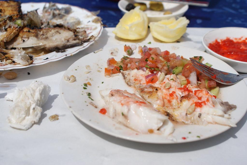 Une bonne dorade grillée + salade marocaine = Du bonheur en barre