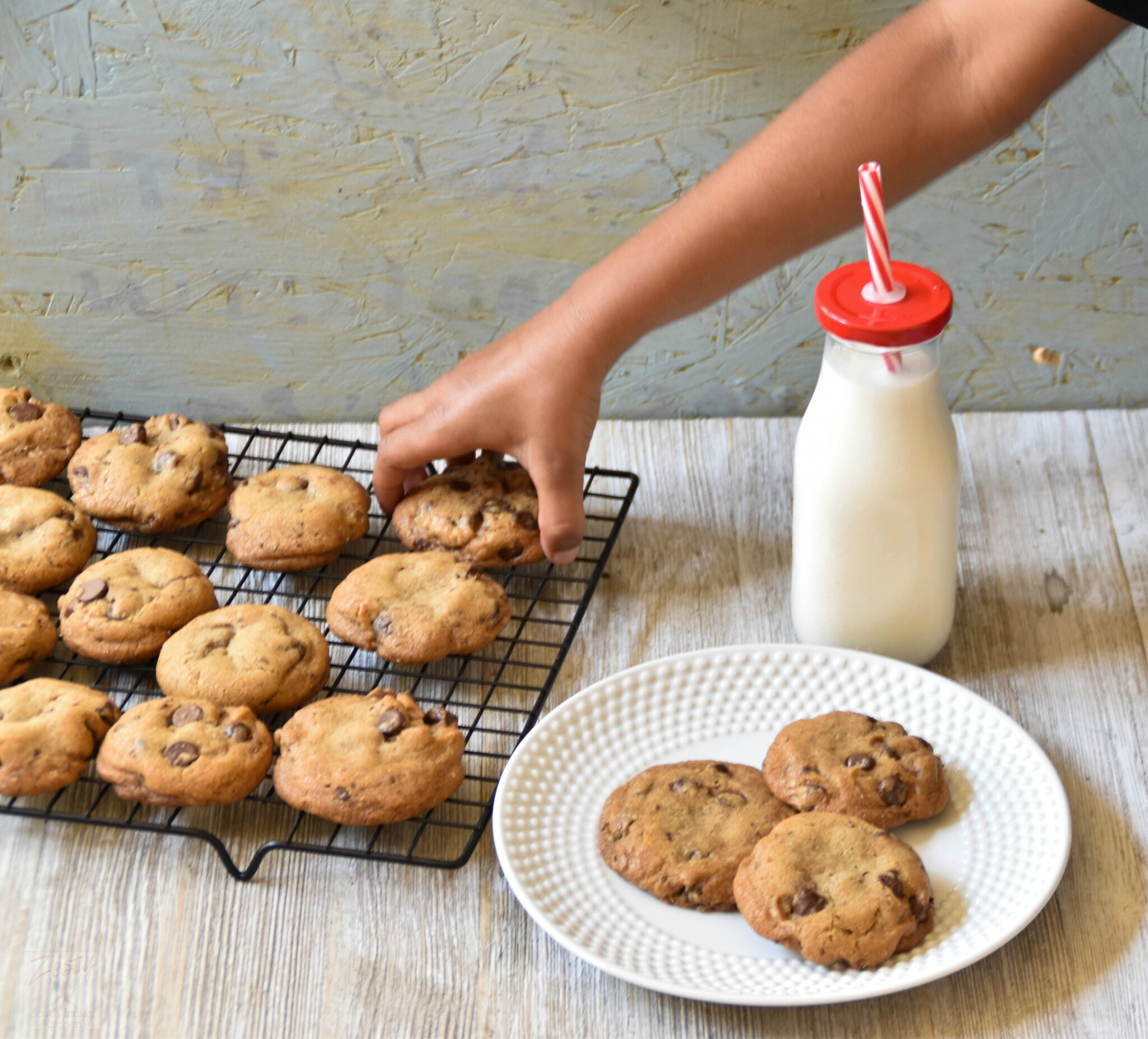 Coconut oil chocolate chip cookies #RecipeMakeover - Zesty South ...
