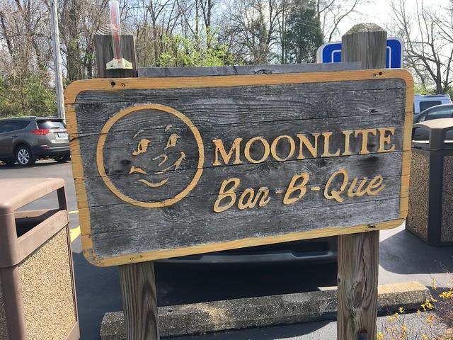 MoonLite Bar-B-Q