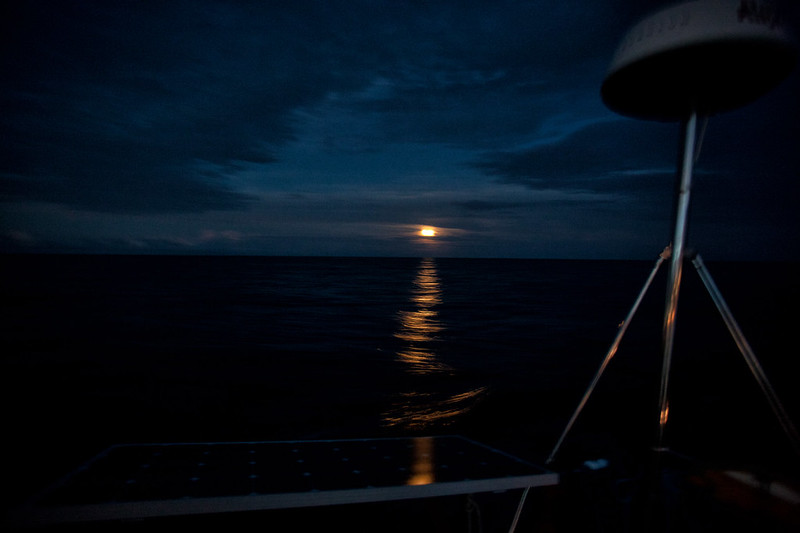 Moonrise at the equator