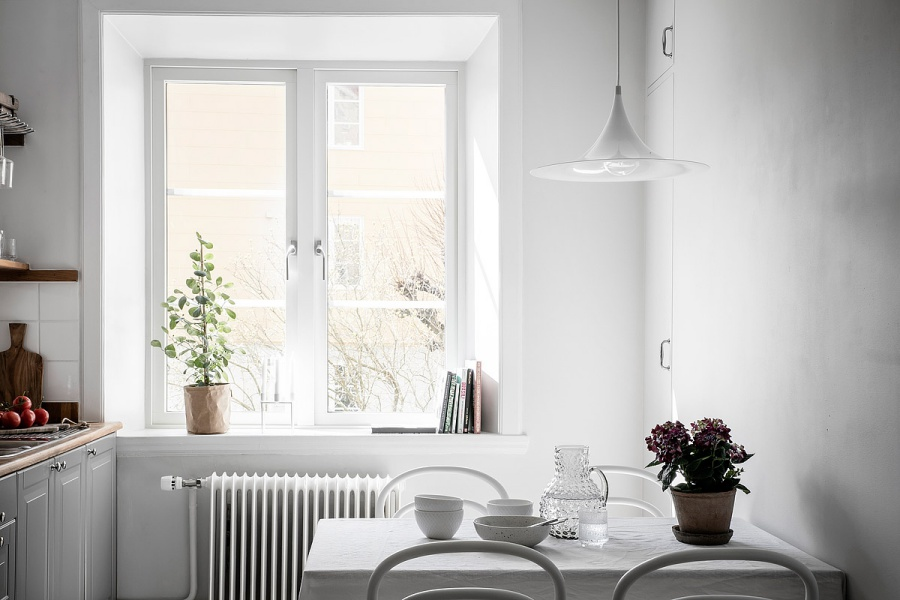 Small Scandinavian Home with Soft Feminine Vibes