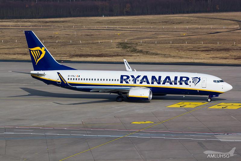 Ryanair - B738 - EI-FRJ