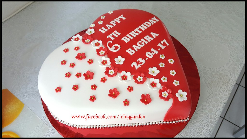 Birthday Cake Fondant Icing 6 Th Heart Shaped Design