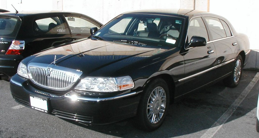 2003 Lincoln Town Car Cartier Engine An Opulence Limo Rent Flickr