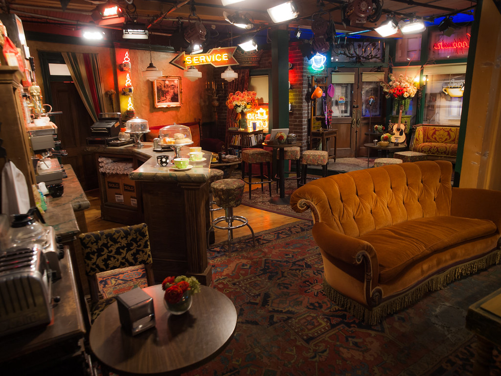 Central Perk Cafe Cedarhurst Ny  Usa