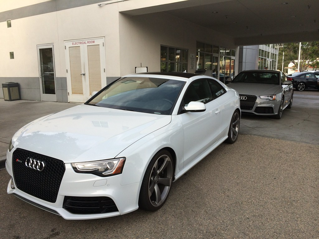 2013 Audi RS5 in Suzuka Gray w/ 2014 Audi RS5 Quattro in N… | Flickr