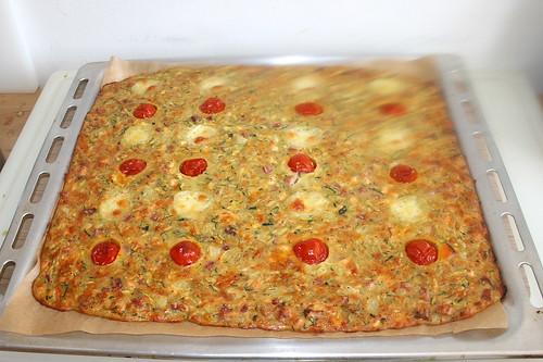 33 - Savory zucchini cake - Finished baking / Herzhafter Zucchinikuchen - Fertig gebacken