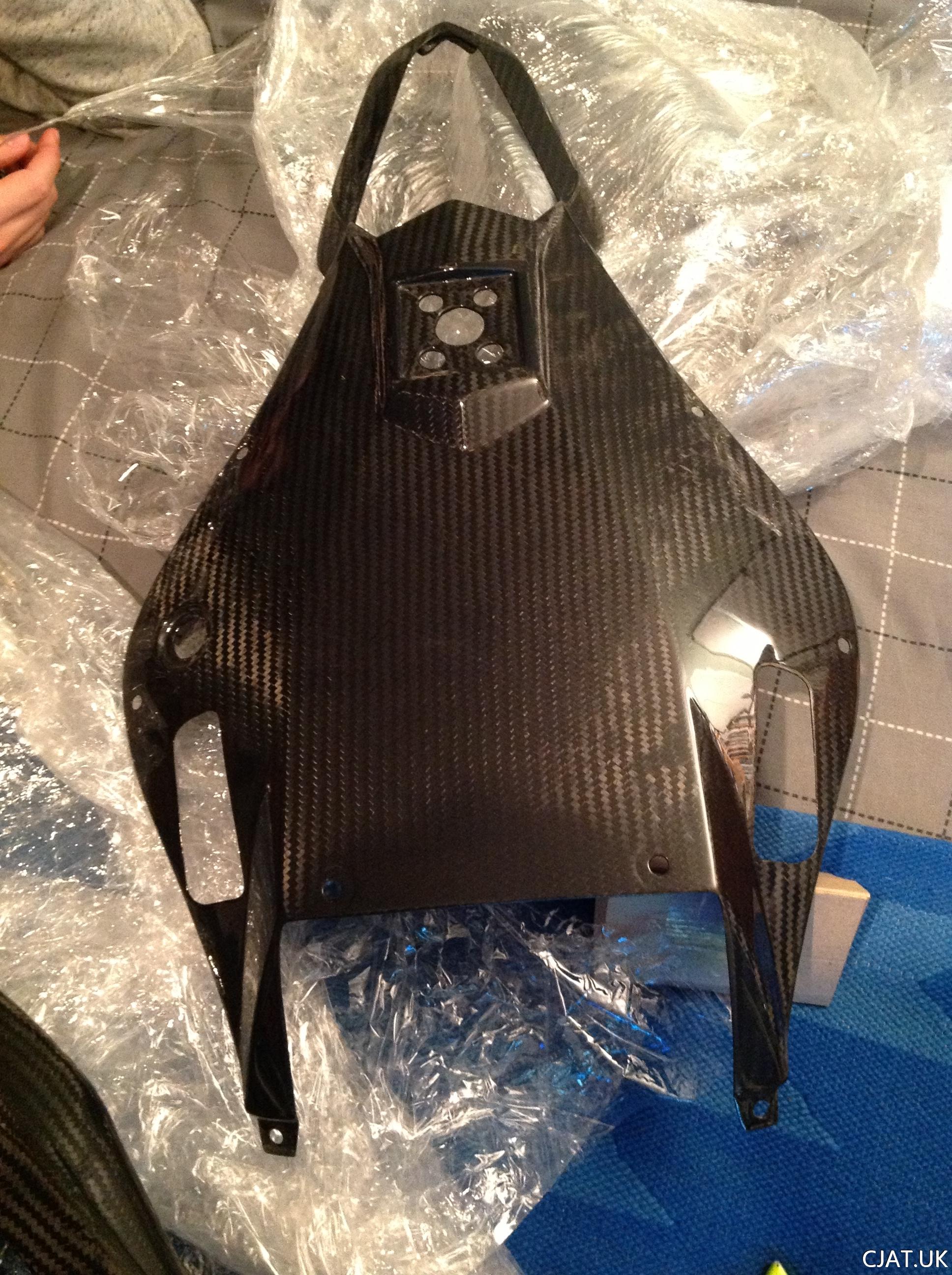 11. RF900 / R6 (07)  Tail Swap – Carbon Fairings