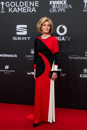 3-_Jane_Fonda_in_Spring_2017_at_the_Golden_Camera_Awards_on_March_4_2017_in_Hamburg_Germany