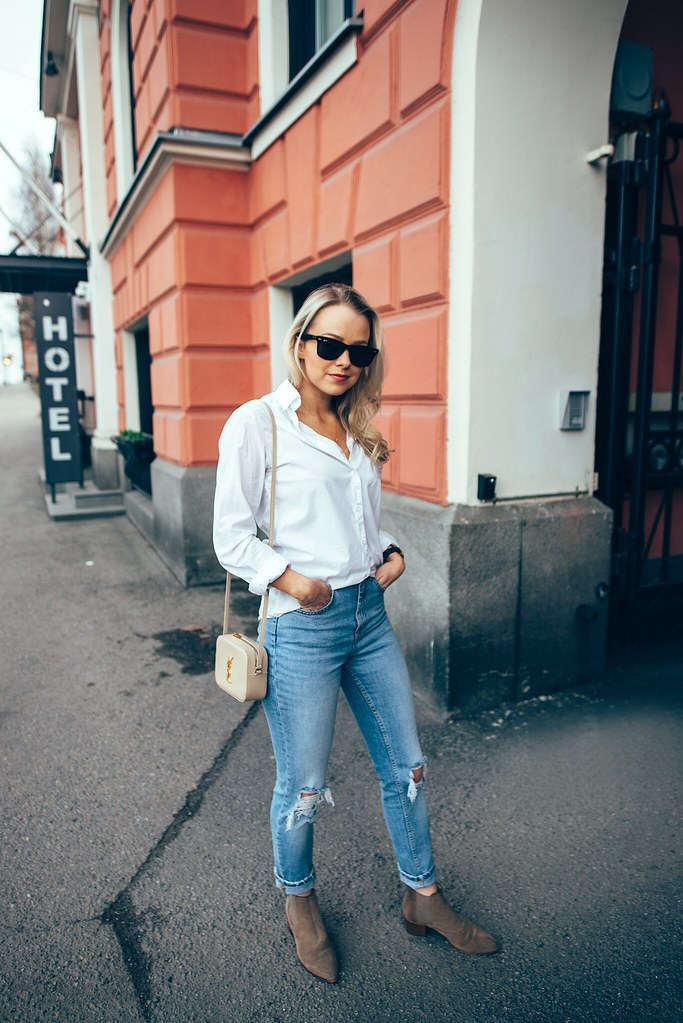 Mom_jeans_shirt1