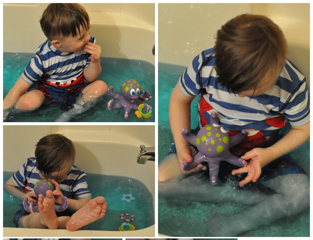 Nuby Octopus Hoopla Bath Toy