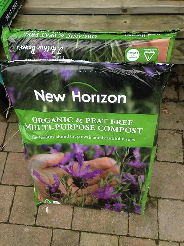 New Horizon peat-free potting compost