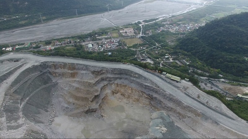 新城亞泥礦場(地球公民基金會提供)