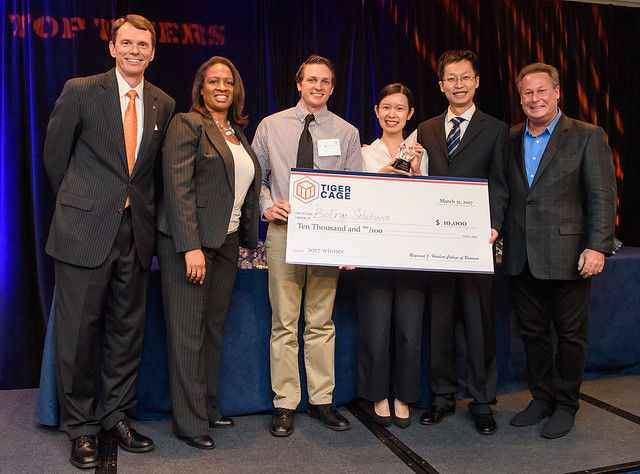 238d32790e19 Auburn student team BioErgo Solutions wins Tiger Cage competition with  device to help prevent workplace injuries