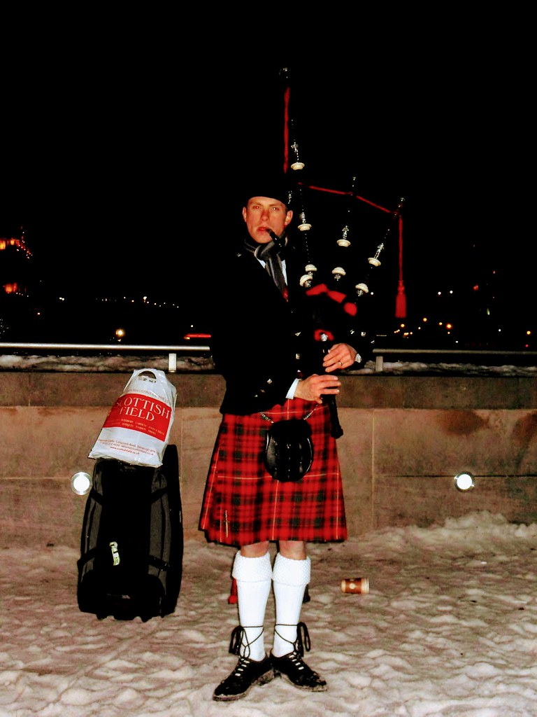 Scot's Piper, Edinburgh