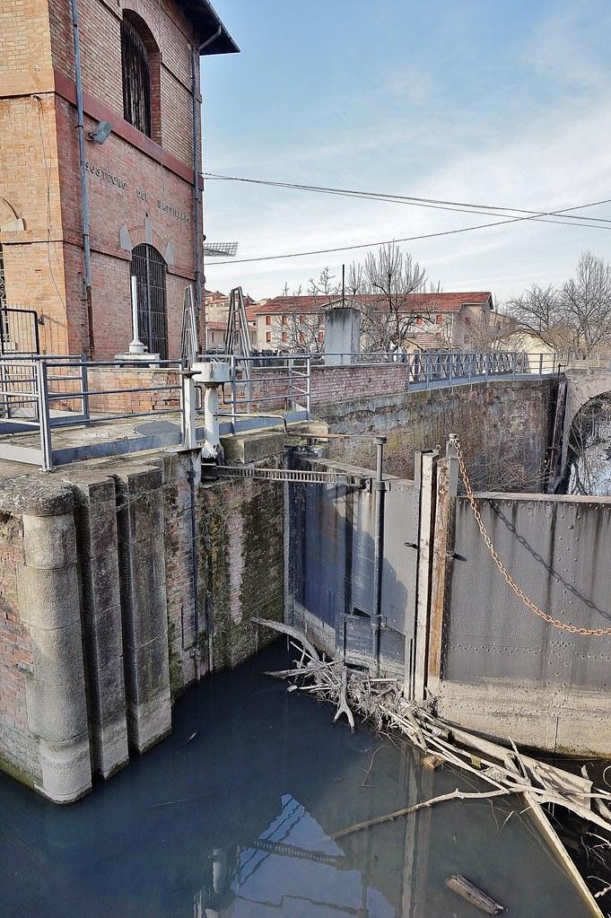 Bologna canale navile bologna via del navile il for Canale camera dei deputati