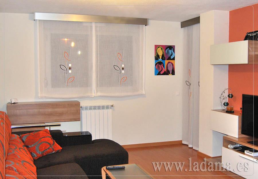 Dos estores y cortina a fuelles con dibujos bordados flickr for Estores con dibujos
