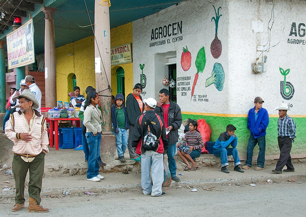 Bus Stop, Esperanza Hondur copy