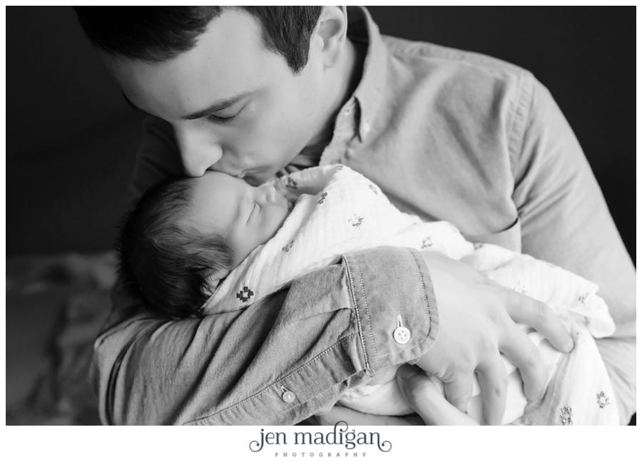 sydney-newborn-36-bw