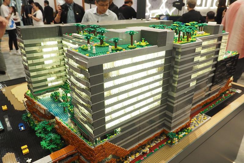 LEGO Funan Mall 1:100 scale