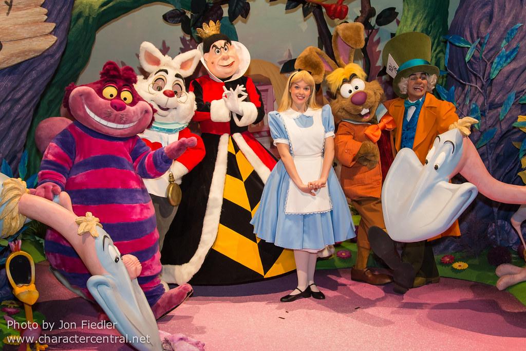 DDE May 2013 - Disney Dreamers Everywhere Gala Dinner Show ...