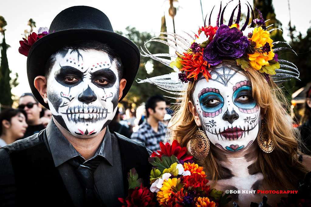 Couple at Dia de los muertos | Participants at the Day of ...