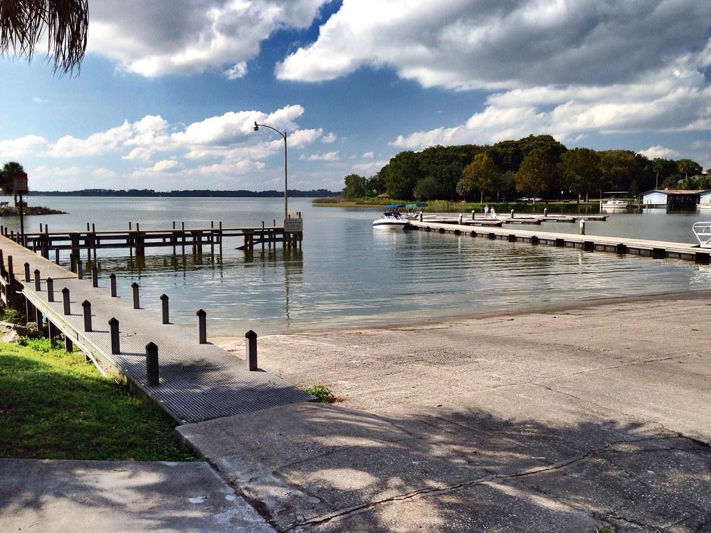 Lake Dora Boat Tours