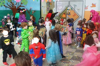 """Noicattaro. Carnevale alla scuola dell'infanzia """"Parchitello"""" front"""
