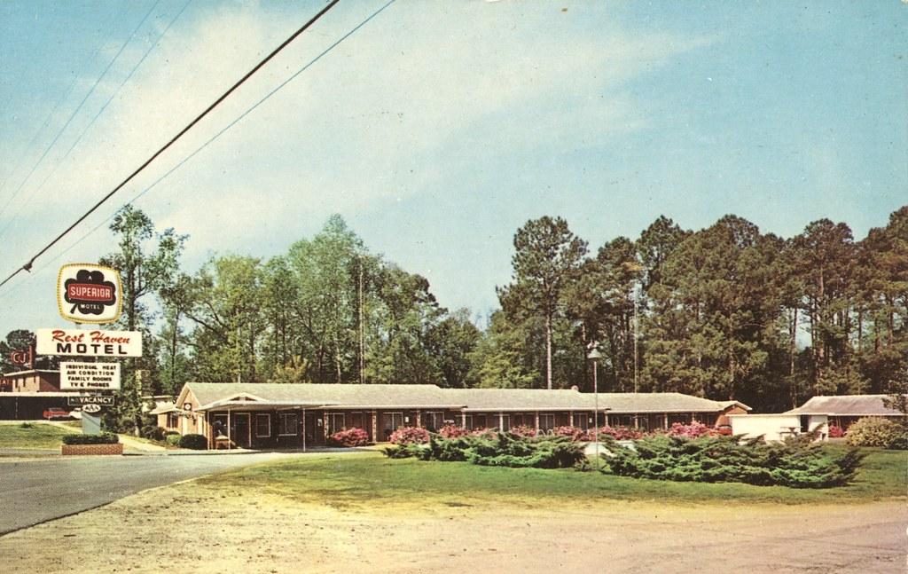 Rest Haven Motel - Claxton, Georgia