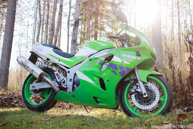 MoottoripyöräilyHarrastuksenaMoottoripyöräKyykkyKawasakiNinja-2