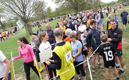 Bushy parkrun #676 - 15th April 2017 (21)