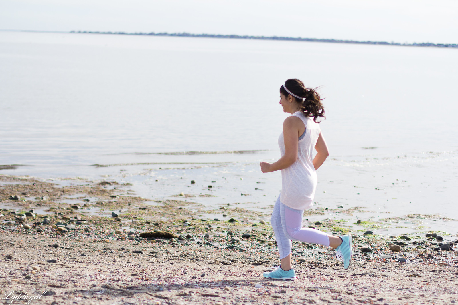 working out with Athleta in Chaturanga capris and blush linen tee-7.jpg