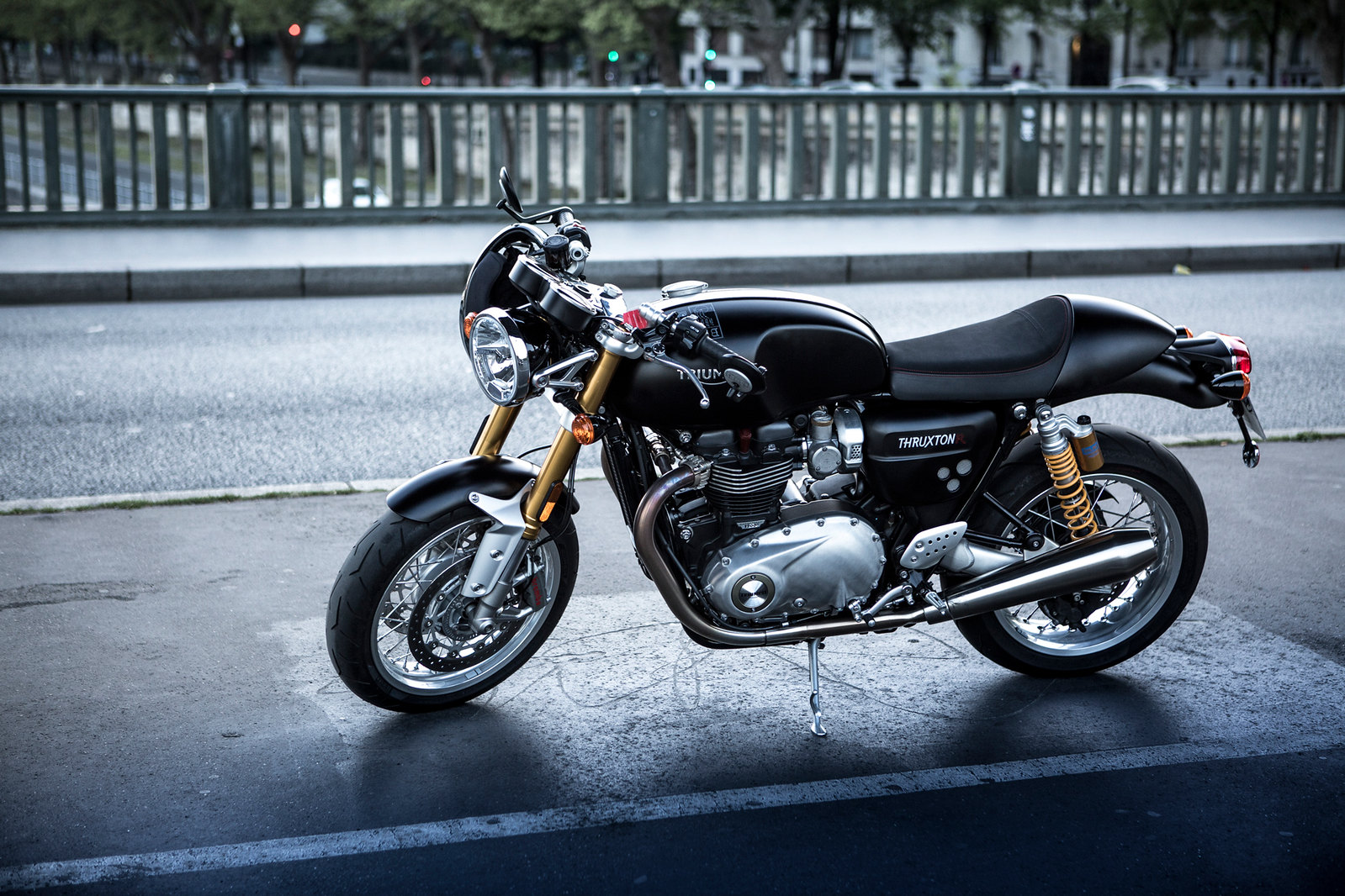 essai moto triumph thruxton r balade en pleine air blog auto cars passion. Black Bedroom Furniture Sets. Home Design Ideas