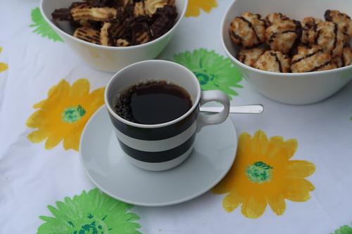 Kokosmakronen und Spritzgebäck zum Kaffee