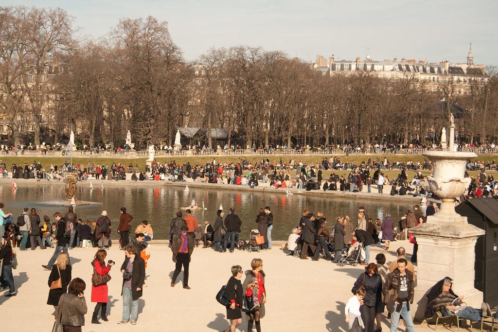 paris_people_park_video_surveillance