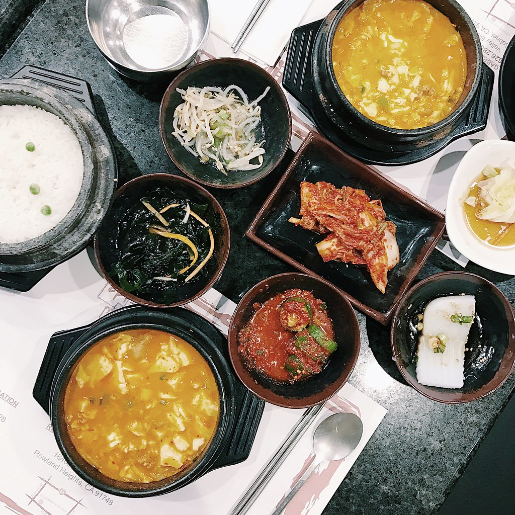 onthetable-flatlay-foodie-koreanfood-korean-tofuhouse-tofusoup-bcd-dineLA