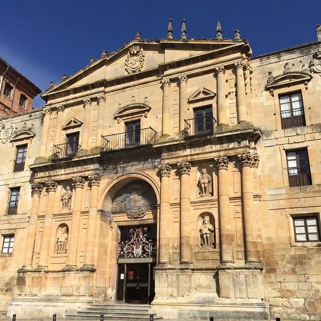 Claustro del Monasterio de San Salvador. Oña