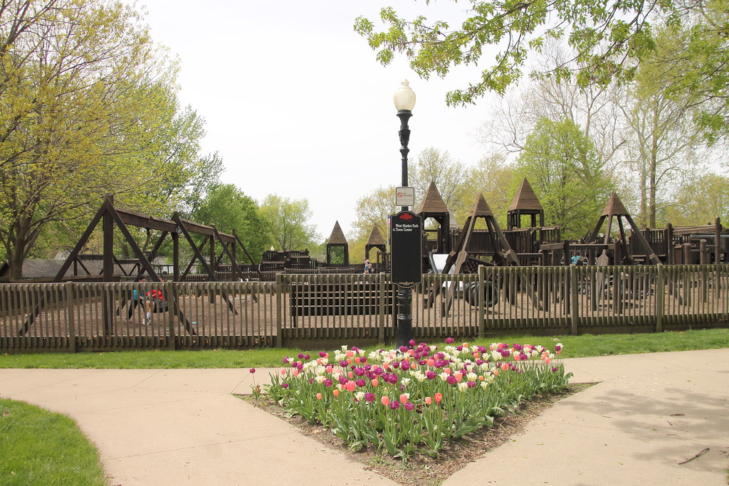 20170425 Tulip Time 031 West Market Park