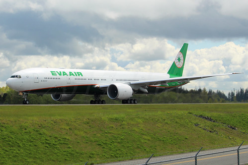 Boeing 777-3AL(ER) EVA Airways B-16737 LN1485