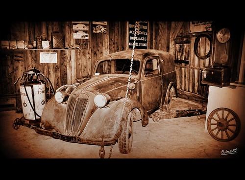 Ma voiture au garage pour une r vision avant le grand for Garage pour revision