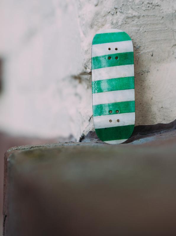 Bonk - Splitply Fingerboard Deck