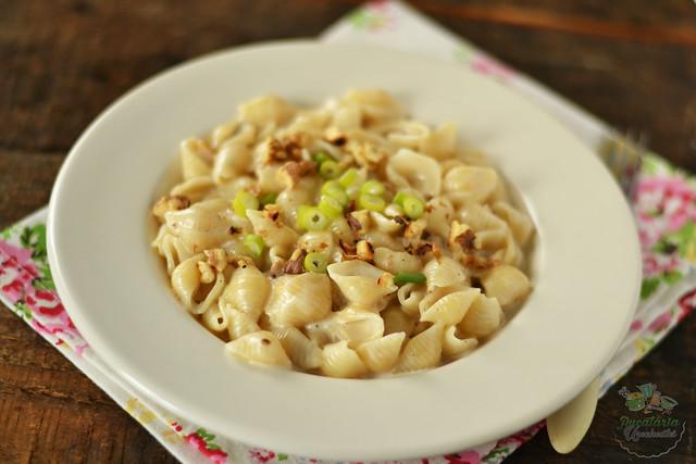 paste cu gorgonzola si nuci