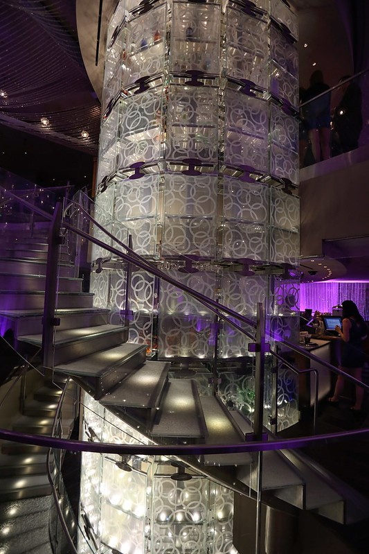 The chandelier bar at the cosmopolitan hotel in las vegas review cosmopolitan hotel chandelier bar las vegas aloadofball Gallery