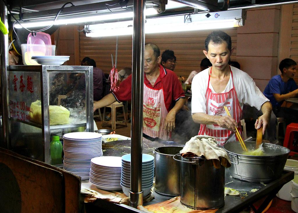 chulia-street-night-market-wanton-mee-stall