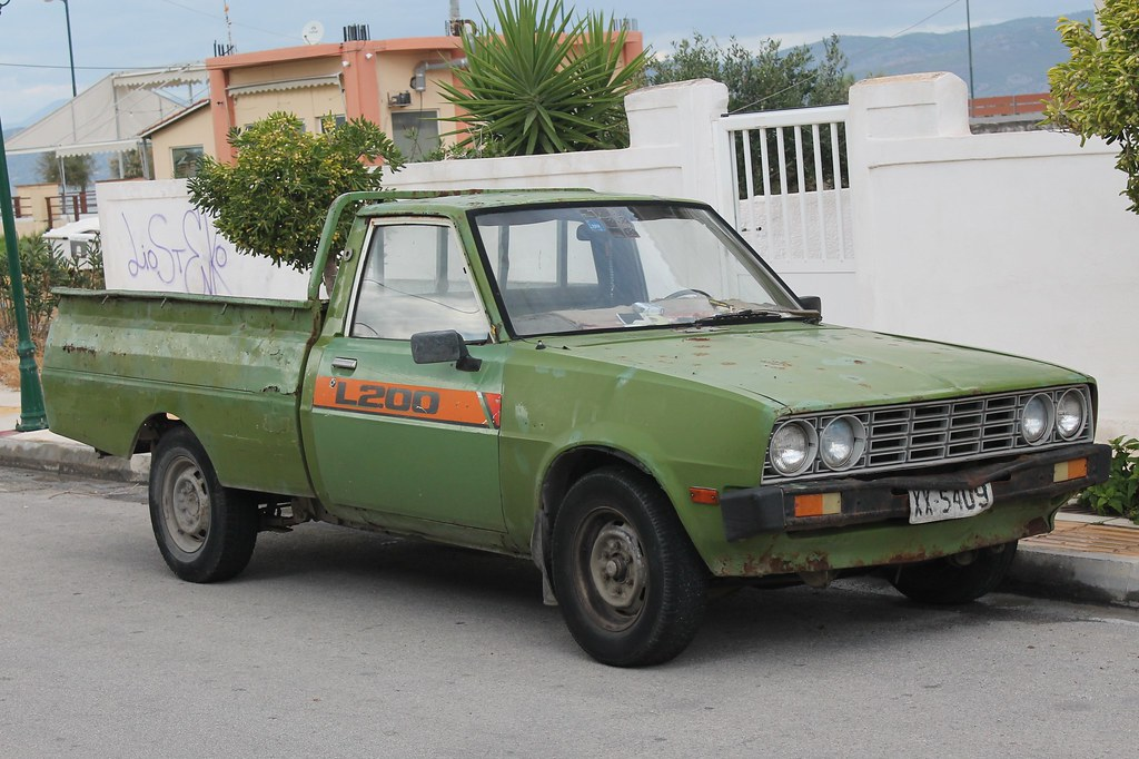1970s   80s mitsubishi l200 pick up